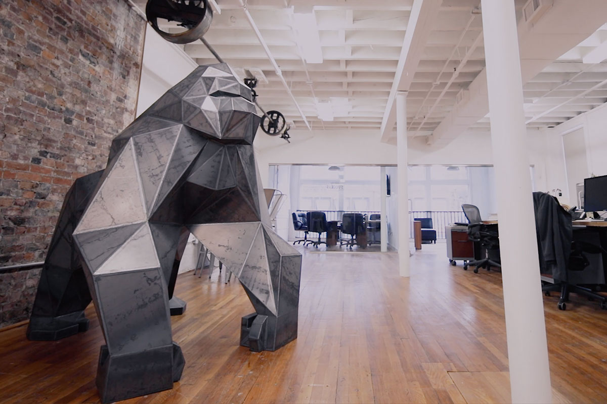 primate-low-poly-sculpture-by-dale-rogers-studio